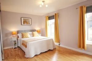 Anjore House Belfast serviced apartment main bedroom
